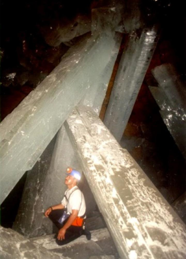 the worlds largest gypsum crystals naica Explore mira rufo's board mina de naica on pinterest   see more ideas about chihuahuas, crystal caves and selenite crystals.